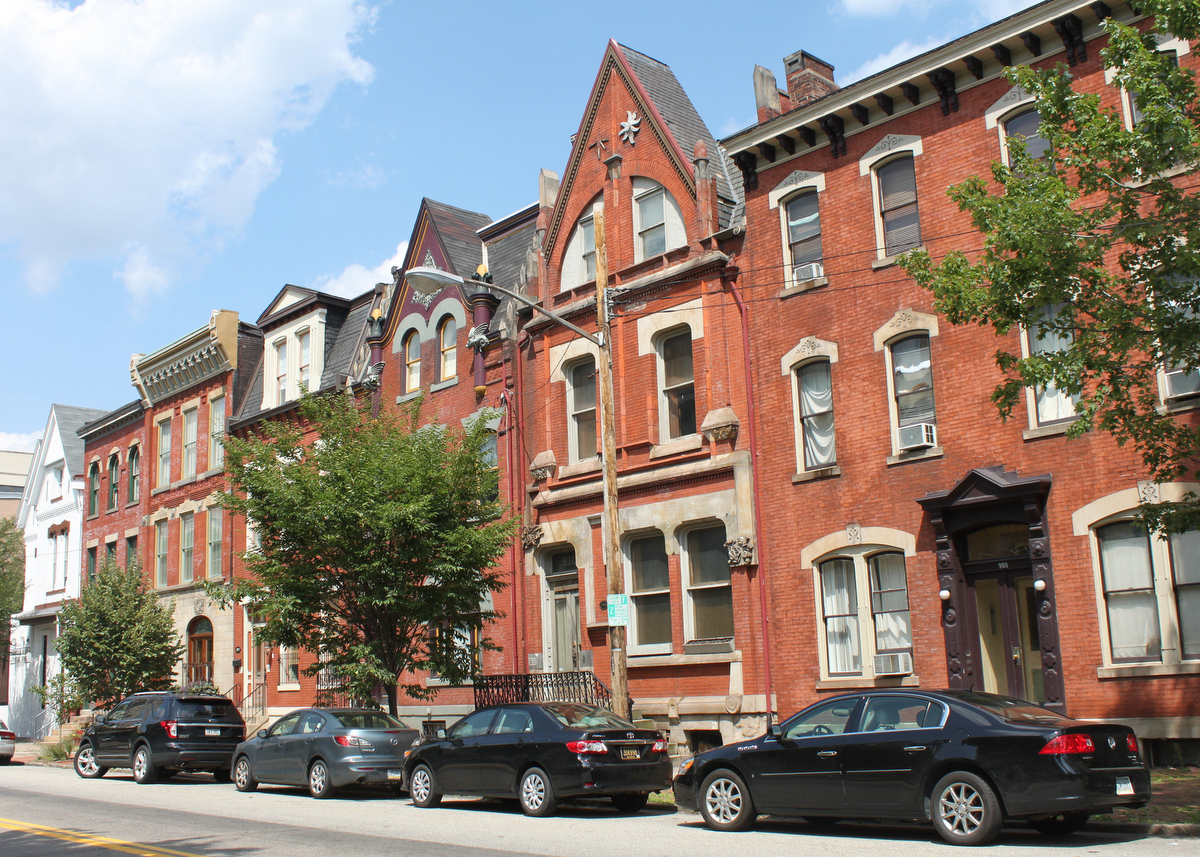 Deutschtown Rowhouses, August 16, 2012. Courtesy Joseph/Flickr (CC BY-NC-SA 2.0)