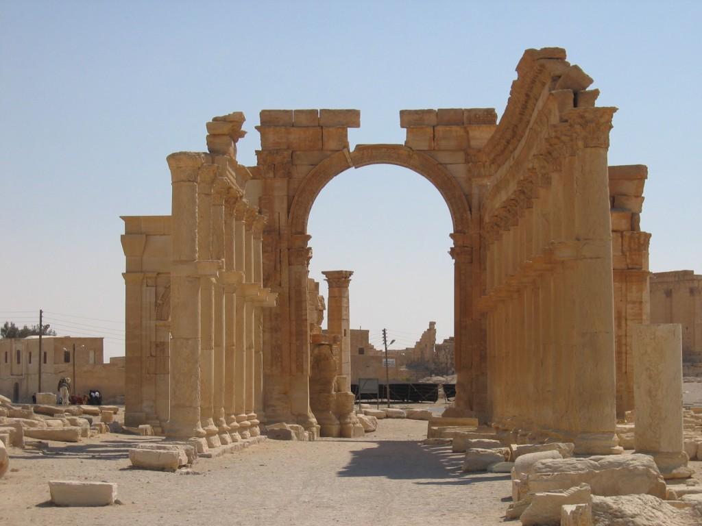Hadrian's Gate, Palmyra, Syria, 2005. Wikimedia Commons