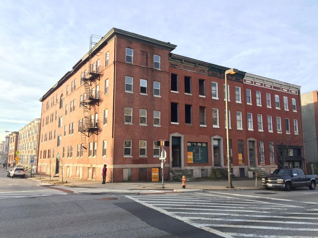 231-233 E. North Avenue, 2015 November 15